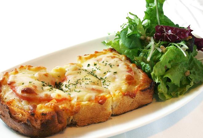 こんがり香ばしいチーズトースト